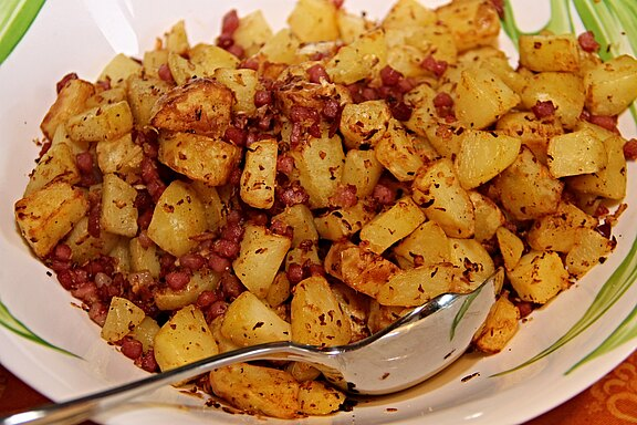 fried-potatoes-3234896.jpg